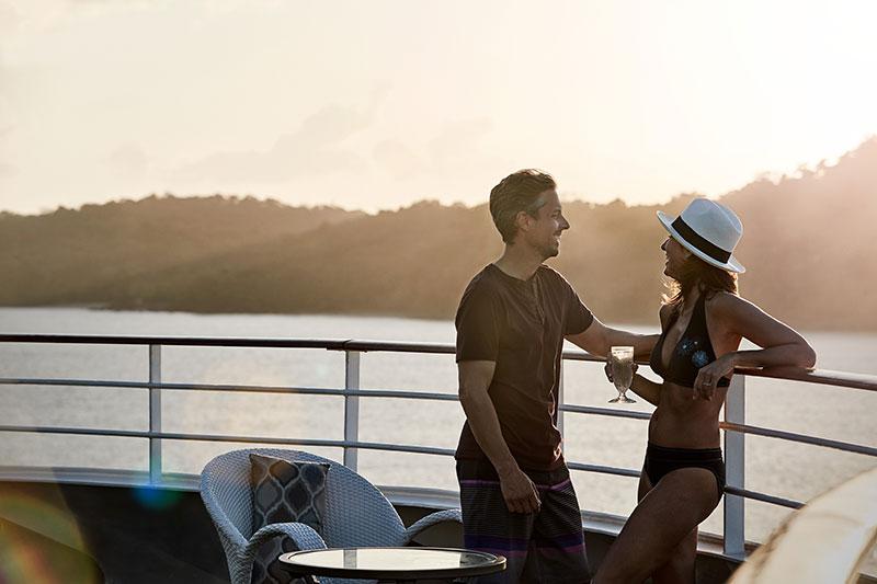 Романтический вечер на открытой палубе